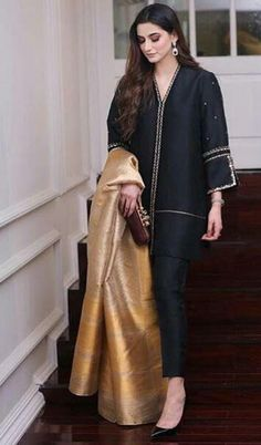 For Price & Queries Please DM us or you can Message/WhatsApp 📲 We provide Worldwide shipping🌍 ✅Inbox to place order📩 ✅stitching available🧣👗🧥 &shipping worldwide. 📦Dm to place order 📥📩stitching available SHIPPING WORLDWIDE 📦🌏🛫👗💃🏻😍 . Pakistani Fancy Dresses, Pakistani Fashion Party Wear, Pakistani Dress Design, Pakistani Outfits, Indian Outfits, Stylish Dresses For Girls, Stylish Dress Designs, Mode Kimono, Sleeves Designs For Dresses