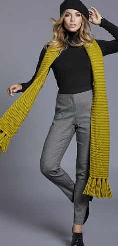 Tips for fall. This outfit is boring without the scarf. See clothing examples of all the new earth tone colors for fall n winter Read tips. Image Positive, Retro Fashion, Womens Fashion, Fashion Trends, Backless Evening Gowns, Fashion For Women Over 40, Winter Fashion Outfits, Fall Fashion, Dress Codes