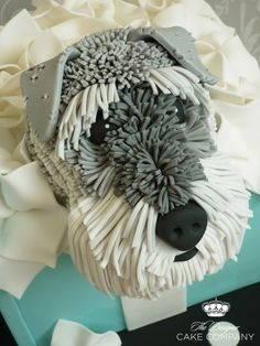 Schnauzer in a Tiffany box. Cake by Bambalini on CakeCentral.com.