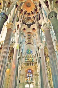 Sagrada Familia by Antoni Gaudi in Barcelona via 23qm Stil #spain #deutsche #blogs