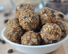 Peanut Butter Granola Bites Recipe Healthy No Bake Energy Bites Recipe Divas Can Cook, Peanut Butter Oatmeal Energy Bites Creative Juice, Homemade Snacks For Sports Blissfully Domestic, Protein Snacks, Protein Bites, Protein Ball, Quinoa Bites, Healthy Treats, Healthy Baking, Healthy Desserts, Healthy Recipes, Oatmeal Energy Bites