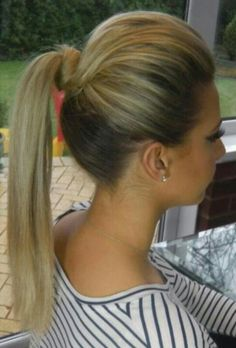 Ponytail with bump & twist