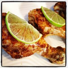 Ingredients: 16 drumsticks, skin removed salt & pepper cup lime juice 3 tbs chili powder 2 cloves garlic, minced 1 packet splenda Directions: Preheat oven 400 degrees F.Substitute chicken breast instead! Healthy Food Delivery, Healthy Food List, Healthy Snacks, Healthy Recipes, Easy Recipes, Diabetic Snacks, Chili Recipes, Eating Healthy, Chili Lime Chicken