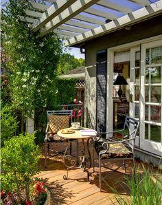 Charming terrace with a pergola passiondecor-de-marieclaude:  ⭐