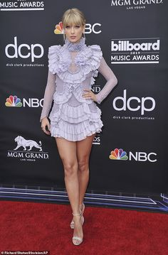 So angelic: Taylor Swift's biggest fans scrutinized the singer's look on the 2019 Billboard Music Awards in Las Vegas on Thursday to the point that she was hinting at the title of her upcoming album based on her outfit choices Taylor Swift Legs, Long Live Taylor Swift, Taylor Swift Outfits, Taylor Swift Style, Taylor Swift Pictures, Taylor Alison Swift, Look Star, Olivia Wilde, Billboard Music Awards
