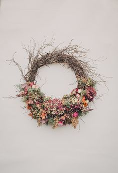 Dried Flower Wreaths, Paper Flower Wreaths, Wreaths And Garlands, Xmas Wreaths, Dried Flowers, Paper Flowers, Mary Christmas, Plant Crafts, Fall Projects