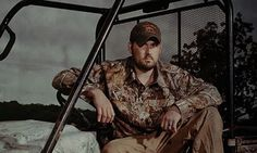SEAL Marcus Luttrell SLAMS orders for Marines to abandon uniforms – adds 4 choice words for Obama