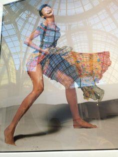 #LindaEvangelista by #RichardAvedon, at #parisphoto. @SuzyMenkesVogue  takes us inside: http://voguefr.fr #vogue /SuzyMenkesAvedonParisPhoto… #photo #photographie #photographer #photography #photographe #OlivierOrtion