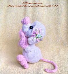 вязаная влюбленная мышка схема вязаные игрушки сувениры