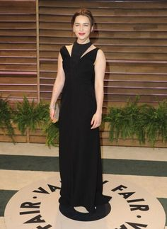 Emilia Clarke in a Balenciaga dress, Chanel jewelry, Lee Savage clutch, and Roger Vivier shoes at the 2014 Vanity Fair Oscar Party. Makeup by Monika Blunder. Styled by Kate Young. #rogerviviervanityfair