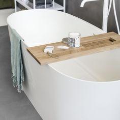 Vrijstaand bad Tub collectie vtwonen baden by Alterna Loft Bathroom, Master Bathrooms, Wooden Crafts, Rustic Industrial, Bath Caddy, Plank, Bathtub, Shower, Furniture