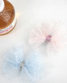 Tulle Bows, Fabric Bows, Fabric Flowers, Baby Hair Bows, Ribbon Hair Bows, Diy Crown, Tie Headband, Making Hair Bows, Diy Hair Accessories
