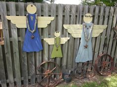 Items similar to Rustic Wooden Garden Angel - Garden Decoration on Etsy Shutter Angel, Angel Garden, Wood Angel, Angel Crafts, Fence Art, Outdoor Crafts, Garden In The Woods, Pallet Art, Wooden Garden