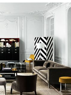 Black and white living room | the pops of yellow are just peprfec | http://www.bocadolobo.com #contemporarydecor #moderninteriordesign