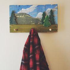 Woodland Hills Coat Hanger, towel rack, rustic,reclaimed wood, pallet wood, home decor, hat rack, coat rack, hooks ,cabin life