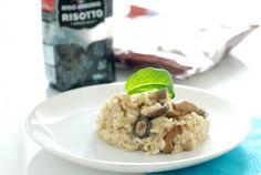 Receta de Risotto de setas variadas realizada sin Thermomix. Un arroz cremoso y jugoso que se elabora fácilmente. Utiliza el doble de volumen de caldo caliente que de arroz y el resultado será un plato perfecto.