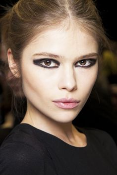 Fall 2012 Make Up Trend: Geometric Eyeliner  Boxy corners, linear lines, and strategically placed dots gave eyes graphic new shapes