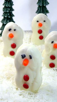 Easiest No-Bake Cookie (that people will Oooh and Aaah over)... Peanut Butter Snowmen, EASY PEASY INDEED