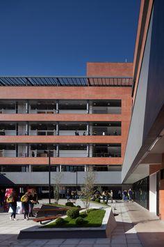 CEAT / Giugliani Arquitetos - GAS + Etges Bammann Arquitetura - EBA