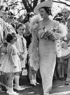 Queen Elizabeth , Queen Consort to King George VI arriving at a garden party held by Mrs Sigismund Goetze. Get premium, high resolution news photos at Getty Images Lady Elizabeth, Princess Elizabeth, Princess Diana, Lady Diana, Lyon, Adele, Mother Pictures, Queen Mother, Mother Mother