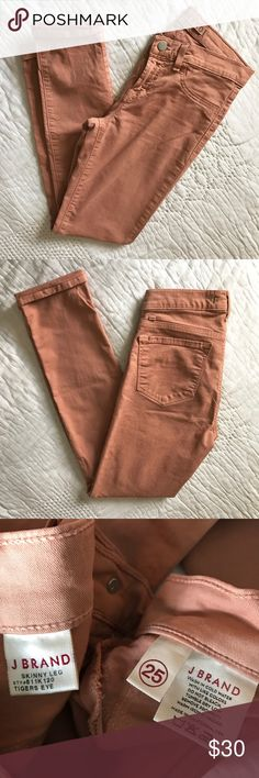 """J Brand luxe twill skinny jeans in Tiger's Eye This is a re-Posh... they're a true size 25 and I'm closer to a 26 so hoped they'd work but no such luck! 😢 Excellent used condition (except for missing back left belt loop- barely noticeable but wanted to note as it wasn't in the original posh description). Zip fly with button closure, faux front pockets, functional coin and back pockets. 98% Cotton, 2% Lycra. Silver hardware. 8"""" rise, 29"""" inseam. Very soft with a little stretch and great…"""