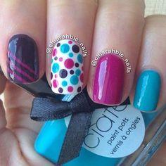 Uñas naturales decoradas con colores - Natural nails with colors Get Nails, Love Nails, Pretty Nails, Dot Nail Art, Polka Dot Nails, Polka Dots, Blue Dots, Funky Nails, Colorful Nails