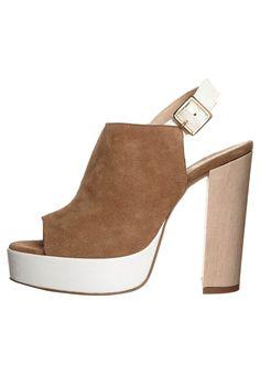 Zign - Sandalen met hoge hak - Bruin Heeled Mules, Heels, Fashion, Sandals, Heel, Moda, Fashion Styles, High Heel, Fashion Illustrations