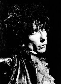 UNITED KINGDOM - OCTOBER 01:  Photo of LORDS OF THE NEW CHURCH and Stiv BATORS; Posed studio portrait Stiv Bators  (Photo by Fin Costello/Redferns) Stiv Bators, Goth Music, Famous Musicians, Lil Boy, Boys Playing, Studio Portraits, Punk Rock, Rock Bands, Jon Snow