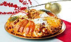 O rei indiscutível da quadra natalícia, o bolo-rei é imprescindível em qualquer mesa no Natal. Siga este passo-a-passo e faça um bolo-rei em sua casa.