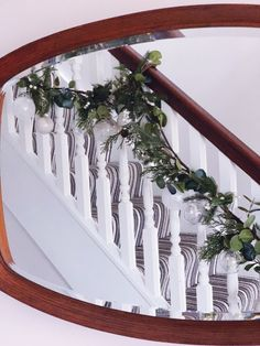 Five steps to simple but beautiful contemporary Christmas garlands, pimped with fresh pine, eucalyptus and baubles. Christmas Garlands, Pine, Stairs, Fresh, Contemporary, Heart, Simple, Beautiful, Home Decor