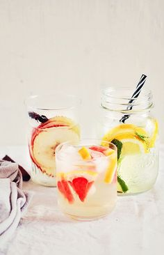 3 Detox Waters for Weight Loss- these are my all-time favorite detox waters. Includes a citrus and mint infused water, honey and cinnamon water and a grapefruit and apple cider vinegar tonic. Honey And Cinnamon, Cinnamon Water, Apple Cinnamon, Detox Cleanse For Weight Loss, Cleanse Detox, Detox Spa, Body Cleanse, Juice Cleanse, Digestive Detox