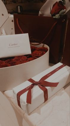 My Funny Valentine, Valentines Day Couple, Happy Valentines Day, Valentine Day Gifts, Aesthetic Couple, Luxury Couple, Favorite Holiday, Food Pictures, Retro