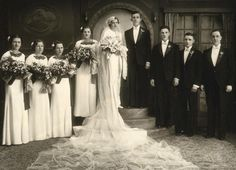 Stunning 1930s Vintage Wedding photo full party with calillies  | eBay
