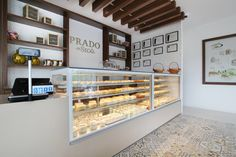 VISTA refrigerated display cases. JORDAO COOLING SYSTEMS 2019® Cheese Shop, Display Cabinets, Display Cases, Cold Meals, Deli, Bakery, Shops, Space, Floor Space