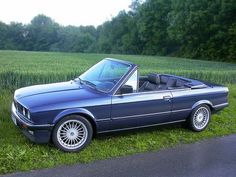 Convertible I love this car so much. I have one myself, not a convertible though, but still it's awesome. Bmw E30 Cabrio, Bmw E30 325, Bmw 325, Bmw E30 Convertible, Bmw Vintage, Bmw Classic Cars, Bmw 2002, Automobile, Cabriolet