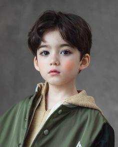 Cute Asian Babies, Korean Babies, Cute Babies, Cute Baby Boy, Cute Little Baby, Cute Kids Pics, Cute Boys, Poses, Handsome Kids