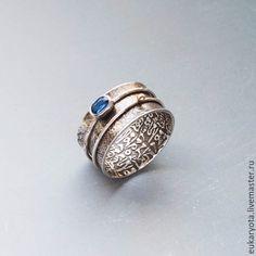 Купить Кольцо из серебра и золота с кианитом Скрытый смысл - шикарное украшение, кольцо с орнаментом