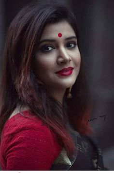 India n beauty Beauty Full Girl, Dark Beauty, Beauty Women, Blonde Beauty, Indian Photoshoot, Saree Photoshoot, Beautiful Bollywood Actress, Most Beautiful Indian Actress, Beautiful Girl Photo
