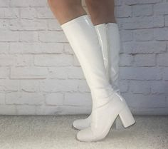 Vintage 90s does 60s Mod Gogo Boots 7 7.5 White by PopFizzVintage