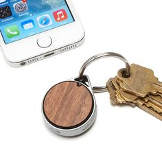 Use the power of Bluetooth to find your lost keys, wallet, and more with this tracking tag and free app.