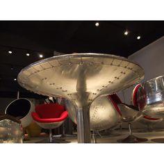"""Résultat de recherche d'images pour """"table ronde aviateur"""" Chaise Vintage, Margarita, Deco, Tableware, Metal, Style, Table And Chairs, Eat, Search"""