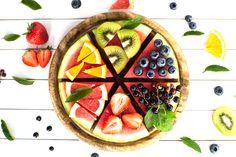 Te przysmaki to nie bomba kalorii, a witamin, które korzystnie wpływają na sylwetkę. Poznaj ekspresowe fit przekąski na lato!