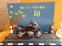 Money gifts for a motorcyclist - Meins , alles selbstgebastelt,gebacken. Happy 50th Birthday, Projects To Try, Deco, Gifts, Mario, Pictures, Diy Gifts, Stocking Stuffers, Diy Presents