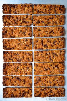 Homemade Chocolate Chip Granola Bars (Great for a quick breakfast on the go!) | via Just a Taste