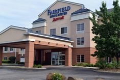 Hotel Fairfield by Marriott Youngstown/Au, OH - Bookingcom - Animals and pets Direct Tv Channels, Hotels, Fairfield Inn, Fitness Facilities, Indoor Swimming Pools, Animals And Pets, Mansions, House Styles, Outdoor Decor