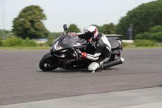 """#Motorrad """"Der Trick mit dem Knie""""-Training 2 Umsetzen in der Wechselkurve? Macht dieser Fahrstil in langsamen Kurven Sinn? #Hanging off #Knieschleifer"""
