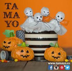 Fieltro cuerdas y algún complemento que encontrarás en la planta baja de #tamayopapeleria en c/Legazpi 4 #Donostia #SanSebastian unas tijeras algo de papel un poco de imaginación y decoración de #halloween lista para esta noche. Tu pones los caramelos Truco o trato?
