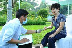30 triệu dân Việt già thách thức ngành y tế