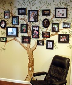 Ideas for family tree wall painting diy living rooms Family Tree Mural, Make A Family Tree, Family Tree With Pictures, Family Wall, Family Photos, Family Trees, Family Tree Paintings, Tree Wall Painting, Tree Wall Art