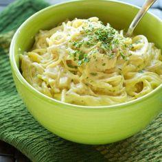 Crockpot Creamy Cheesy Chicken Spaghetti